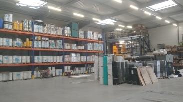 Éclairage d'un entrepôt avec des canalis à Amiens
